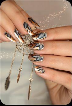 Nail art – Nouvel An Vermeil Funky Nail Art, Funky Nails, Glam Nails, Cool Nail Art, Nail Manicure, New Year's Nails, Hot Nails, Hair And Nails, Beautiful Nail Designs