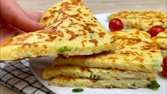 Breakfast Pancakes, Pancakes And Waffles, Breakfast Dishes, Breakfast Recipes, Dinner Recipes, Pan Relleno, Cheese Pies, Quick Meals, Crepes