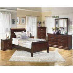 Shop Ashley Furniture Alisdair Dark Brown Master Bedroom Set with great price, The Classy Home Furniture has the best selection of Master Bedrooms to choose from Twin Bedroom Sets, Sleigh Bedroom Set, Ashley Bedroom, Sleigh Beds, Bedroom Furniture Sets, Design Furniture, Home Furniture, Bedroom Ideas, Furniture Outlet