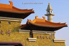 The mountain gate of Liberation - Fo Guang Shan in Kaohsiung Taiwan http://exploretraveler.com/