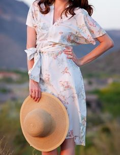 Sew Spoiled: Wrap Dress Obsession! (5 free patterns for wrap dresses)