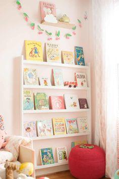 Diy wall books, little girl bedrooms, big girl rooms, girls bedroom, pink r Diy Wall Books, Reading Corner Kids, Reading Corners, Reading Nooks, Book Display Shelf, Book Storage, Book Shelves, Book Displays, Book Organization