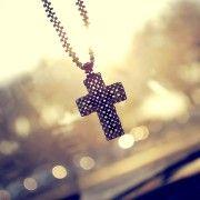Frases de Deus e fé para te consolar naqueles momentos difíceis da vida.