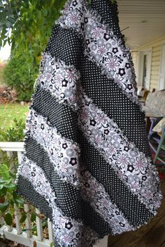 Handmade Rag Quilt Flannel Black and White Teen Funky Classic Rag Throw Quilt Strip Rag Quilts, Flannel Rag Quilts, Baby Rag Quilts, Girls Quilts, Easy Quilts, Rag Quilt Patterns, Black And White Quilts, Black Quilt, Crochet Quilt