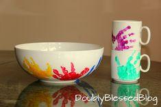 Nützliche Geschenke basteln mit Kindern Make gifts with children - bowls and mugs with handprints - Boy Diy Crafts, Diy Crafts For Adults, Winter Crafts For Kids, Craft Gifts, Diy For Kids, Gifts For Kids, Sell Diy, Diy Crafts To Sell, Pasta Crafts