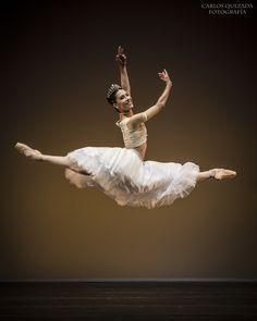 """Elisa and Friends"" Ballet Gala 2015.Elisa Carrillo Concert Hall.""La Peri"" Pas de Deux / Vladimir Malakhov.Elisa Carrillo and Mikhail Kaniskin, StaatsBallet Berlin.Carlos Quezada."