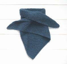 Cet hiver est placé sous le signe des accessoires : châles, mitaines, snoods, bandeaux de tête… J'aime particulièrement tricoter toutes ces petites choses, je m'amuse avec les cou…
