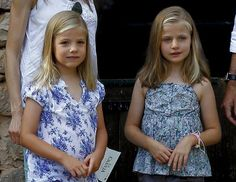 05 August 2013 Prince Felipe and Princess Letizia visited 'La Granja' (Big Historical Mansion) with their daughters Infanta Leonor and İnfanta Sofia.
