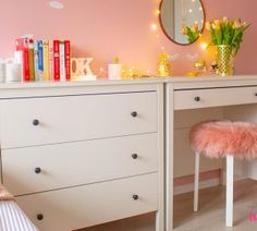 Malowanie mebli z okleiny – co, jak i czy warto? Metamorfoza sypialni - Twoje DIY Dresser As Nightstand, Ikea Hack, Diy, Table, Furniture, Home Decor, Bricolage, Interior Design, Handyman Projects