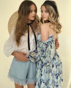 Image may contain: 2 people, people standing Young Girl Fashion, Tween Fashion, Young Models, Child Models, Cute Little Girls Outfits, Cute Girls, Blonde Kids, Kristina Pimenova, Teen Girl Poses