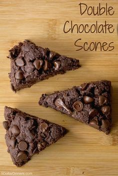 The best Double Chocolate Scones recipe! Simple scones for a superb breakfast, or dessert! Just Desserts, Delicious Desserts, Dessert Recipes, Biscuits, Detox Kur, Cannoli, Beignets, Vegetarian Chocolate, Delicious Chocolate