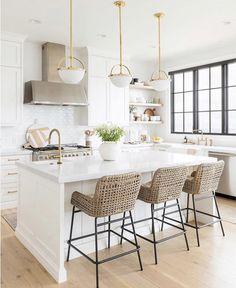 Cosy Kitchen, Home Decor Kitchen, New Kitchen, Home Kitchens, Kitchen Ideas, Kitchen Images, Apartment Kitchen, White Apartment, Kitchen Family Rooms