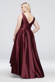 V-Neck Satin Plus-Size Tank Ball Gown with Pleats Style Wine, 18 Plus Size Formal Dresses, Plus Size Gowns, Gala Dresses, Evening Dresses, Dinner Dresses, Curvy Fashion, Plus Size Fashion, Davids Bridal Plus Size, Necklines For Dresses