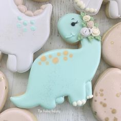 These sweet girly dinosaur cookies wearing flower crowns were the perfect gift for my dinosaur loving friend. Dinosaur cutters were from Kaleidacuts. Dinosaur Birthday Cakes, Dinosaur Cake, Dinosaur Party, Dinosaur Cookies, Baby Shower Cookies, Custom Cookies, 3rd Birthday Parties, First Birthdays, Flower Crowns
