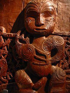 Maori New Zealand Arte Tribal, Tribal Art, Tonga, Statues, Maori Tribe, Maori People, Polynesian Art, Maori Designs, New Zealand Art