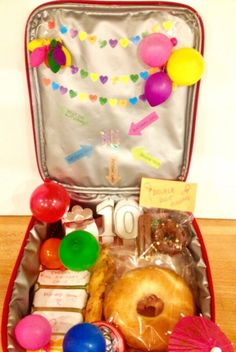 Birthdays are special and when they have to go to school on their special day, they may just deserve a birthday lunch box with celebratory birthday treats School Birthday Treats, Birthday Lunch, Birthday Box, Birthday Dinners, Birthday Recipes, Birthday Bunting, Birthday Ideas, 10th Birthday, Birthday Nails
