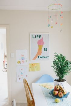 Laura Blythman's Melbourne Neon Dream Home — Gorgeous Global House Tour