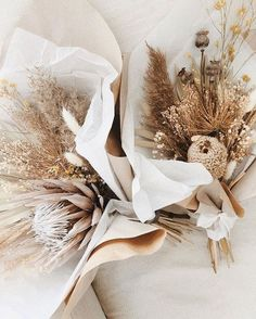 Starting the morning with some dry flower bouquet inspiration via 🍂 . Floral Wedding, Wedding Bouquets, Wedding Flowers, Dried Flower Arrangements, Dried Flower Bouquet, Boquet, Flower Bouquets, Bunch Of Flowers, Dry Flowers
