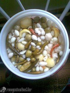 Érdekel a receptje? Kattints a képre! Black Eyed Peas, Pickles, Beans, Vegetables, Food, Gastronomia, Meal, Beans Recipes, Eten