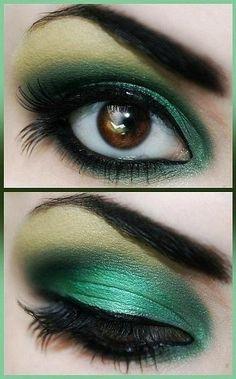 Maquillaje verde en ojos cafes