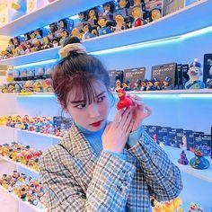 Photo album containing 8 pictures of IU Iu Twitter, Cute Girls, Cool Girl, Pretty Girls, Iu Fashion, Girl Crushes, K Idols, Korean Singer, Kpop Girls