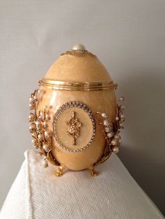 Vivian Alexander Ostrich Egg Evening Bag Faberge by MayaVintage~:):