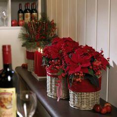 Zdjęcie numer 16 w galerii - Boże Narodzenie: oprawa wigilijnego stołu i okolic. Stroiki bożonarodzeniowe