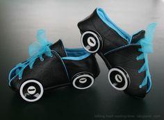 Roller babyzimmer ~ Roller derby baby booties roller skates jammer hat and legwarmers