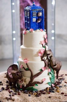 Whovian wedding cake.