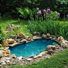 Cool 40 Fabulous Diy Backyard Waterspring Design Ideas That Will Make Your Garden More Cool Small Backyard Ponds, Backyard Water Feature, Small Ponds, Outdoor Fish Ponds, Backyard Waterfalls, Outdoor Fountains, Water Fountains, Garden Fountains, Pond Landscaping