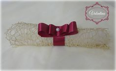 Μπομπονιέρα Πάπυρος με Τούλι & Δείκτη - Εκρού και δέσιμο με Σατεν Μπορντό κορδέλα!!! Belt, Christmas, Accessories, Fashion, Belts, Xmas, Moda, Waist Belts, La Mode