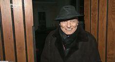Karel Gott předevčírem s kloboukem na hlavě