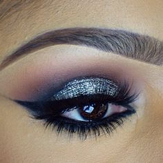 Platinum glitter smokey eye with dramatic winged liner #eye #makeup #eyes #eyeshadow #smokey #dark #dramatic