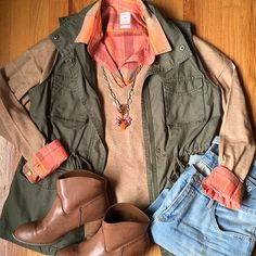 this #oldnavy cargo vest has been a staple of my fall wardrobe #fallfashion - #booties are #thrifted, necklace is #stelladotstyle, everything else is from #gap #clearance