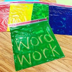 Need another word work activity? Check out this idea from She uses heavy duty ziploc bags and adds paint to the inside. Students write words using their finger. Green paint works best and remember to duct tape the bag shut. Pre Writing, Kids Writing, Writing Practice, Writing Centers, Learning Centers, Learning Spanish, Sight Word Activities, Writing Activities, Teacher Hacks