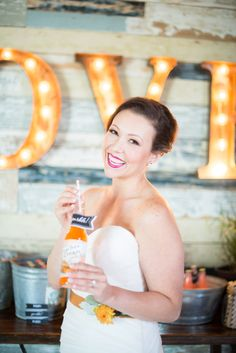 Glittery Gold + Pretty Pops of Color - Styled by Each & Every Detail, Cottonwood Road Photography