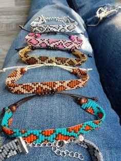 Coolest diy bracelets ideas for. Friendship bracelet color i Bead Loom Patterns, Jewelry Patterns, Beading Patterns, Panther Leopard, Beaded Jewelry, Handmade Jewelry, Motifs Perler, Bead Loom Bracelets, Macrame Bracelets