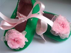 Green and Pink Organza & Felt Baby Shoes by CreamBunBakery on Etsy ♡