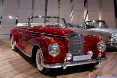 - 1956 Mercedes-Benz 300 S - The Best or Nothing.😍 - Beauties I grew up with. Retro Cars, Vintage Cars, Antique Cars, Cadillac, Mercedes Classic Cars, Dream Cars, Mercedes Benz 300, Mercedes Jeep, Mercedez Benz