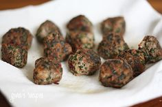Skinny Italian Spinach Meatballs - Serve with marinara dipping sauce for a game day appetizer!
