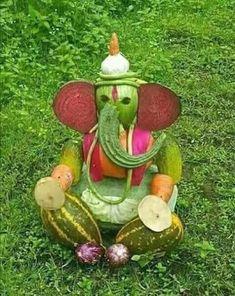 Thali Decoration Ideas, Diwali Decorations, Flower Decorations, Lord Ganesha Paintings, Ganesha Art, Ganesha Sketch, Clay Ganesha, Jai Ganesh, Ganesh Lord