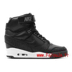 chaussure-montante-nike-pas-cher-pour-femme-nike-air-revolution-sky-hi-gs-noir-blanc-599410-003-3.jpg (750×750)