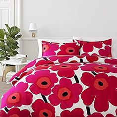 Great selection of Marimekko bedding from top retailer. Choose from Marimekko bed linens, comforters, duvet covers, sheets and more. Red Comforter Sets, Red Bedding, Duvet Sets, Luxury Bedding, Floral Bedding, Luxury Bedspreads, Modern Bedding, Red Duvet Cover, Duvet Cover Sets