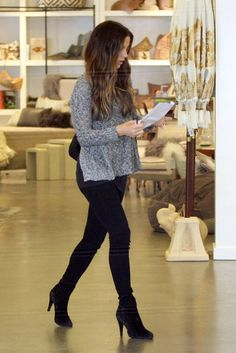 Kate Beckinsale Photo - Kate Beckinsale and Daughter Shop