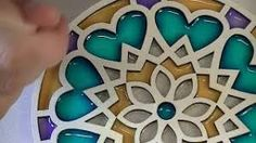 Como pintar mandalas con acrílicos - Puntillismo paso a paso con pincel - Самые лучшие видео Mandala Painting, Mandala Art, Recycled Crafts, Resin Crafts, Clematis, Crafts For Teens, Diy And Crafts, Frozen Art, Painted Boards