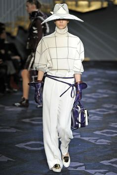 TODS MILAN FALL 2014 READY TO WEAR
