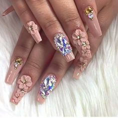 The advantage of the gel is that it allows you to enjoy your French manicure for a long time. There are four different ways to make a French manicure on gel nails. 3d Nail Art, 3d Nails, Nail Arts, Cute Nails, Pretty Nails, Beautiful Nail Designs, Beautiful Nail Art, Gorgeous Nails, 3d Nail Designs