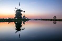 Kinderdijk before sunrise | Joedigital