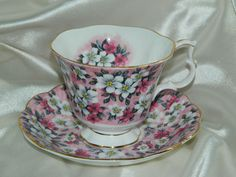 Vintage Royal Albert GARDEN PARTY SERIES-PINK SURPRISE Tea Cup & Saucer England
