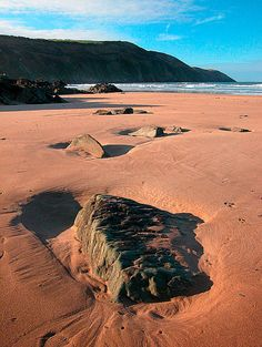 Putsborough Sands, North Devon, England #bestbeaches #holidaycottages www.holidaycottages.co.uk/holidays/devon/north-devon